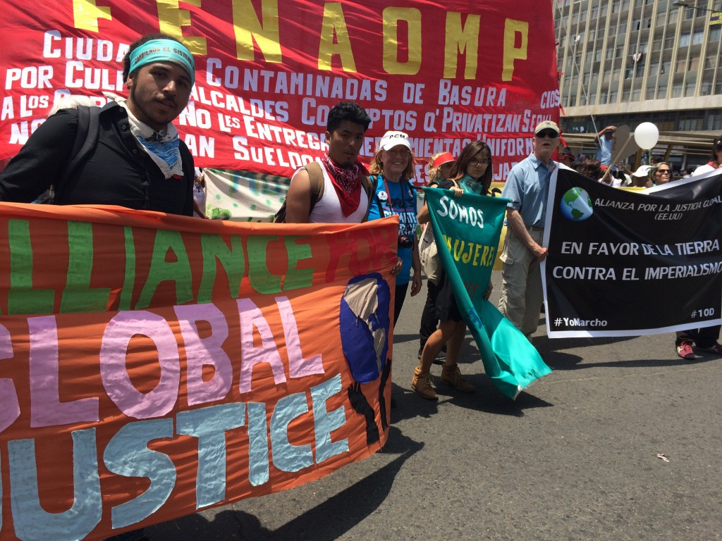 banners, lima march IMG_0244